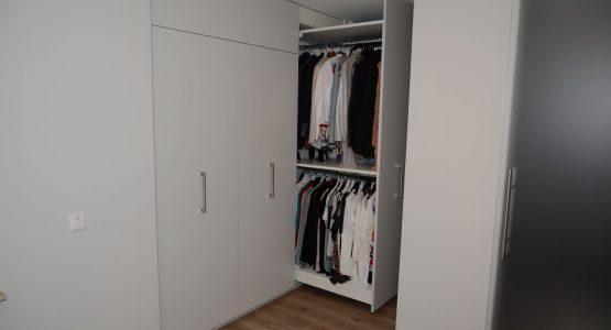 uitschuifbare kledingkast op maat